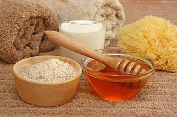 Ingrédients pour la préparation de masques au miel
