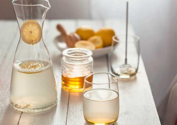 Eau avec un minimum de miel