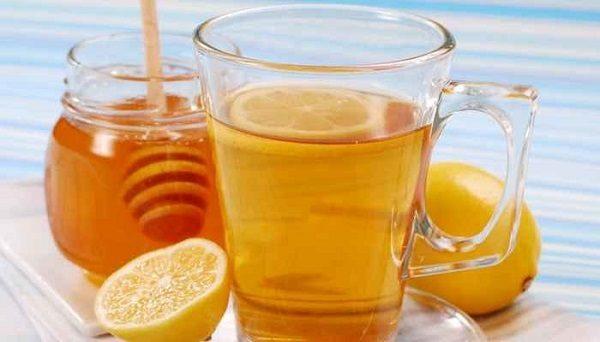 Les bienfaits de l'eau au miel le matin à jeun