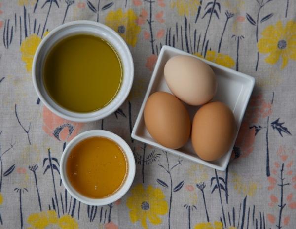 masque capillaire au miel et au jaune