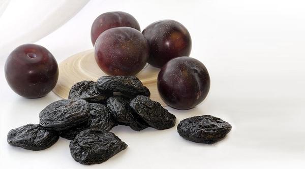 Quelles variétés de prunes sont appropriées pour la fabrication de pruneaux et comment le faire à la maison